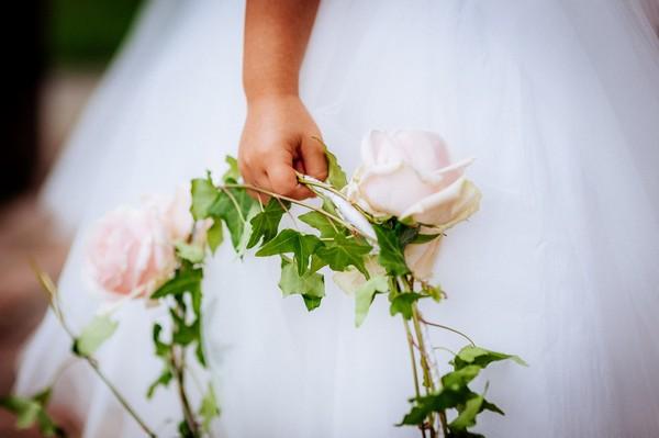 Flower girl's ring of flowers
