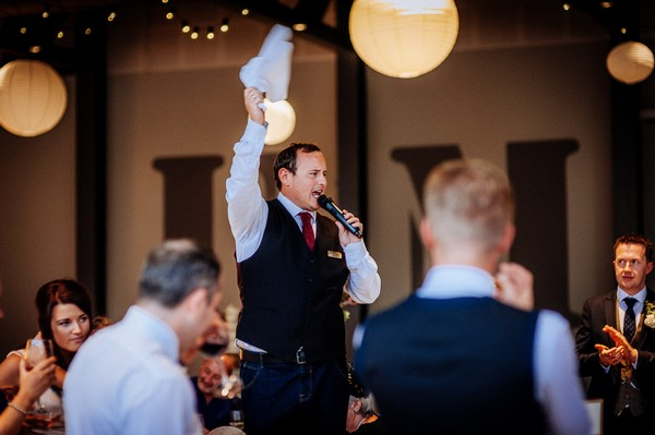 Surprise singing waiter at wedding