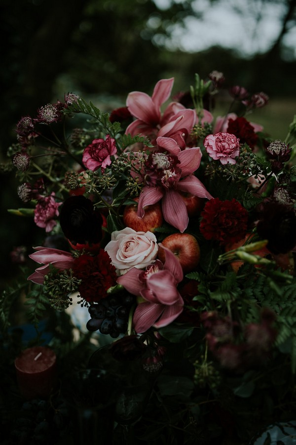 Flowers and foliage on wedding table