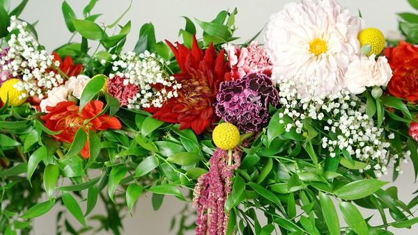 Suitable flower varieties for DIY flower chandelier