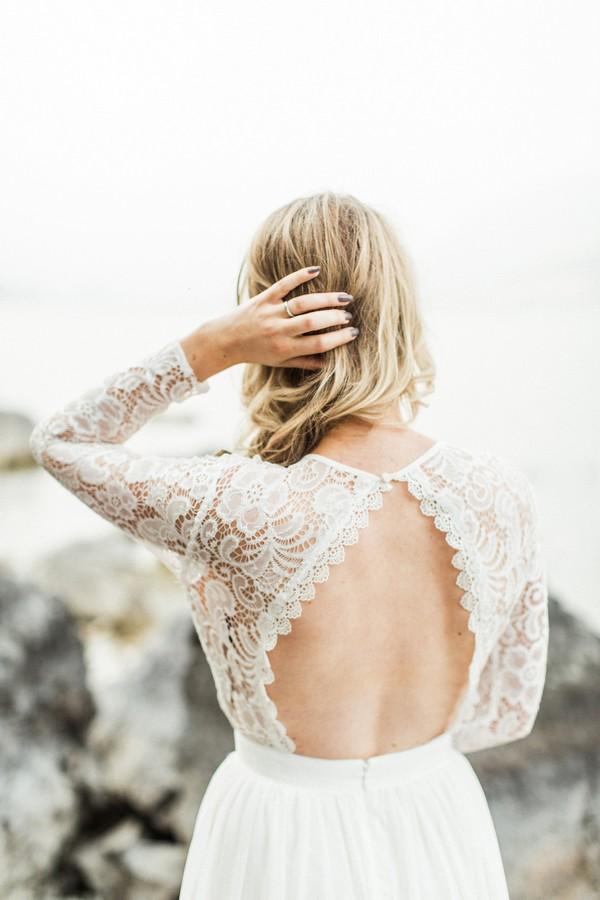Open back of Inmaculada Garcia wedding dress