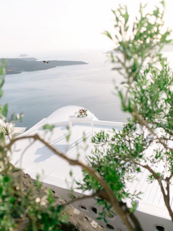 21a - Beautiful Elopement in Santorini