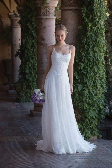 4004 Wedding Dress from the Sincerity Bridal SS18 Collection