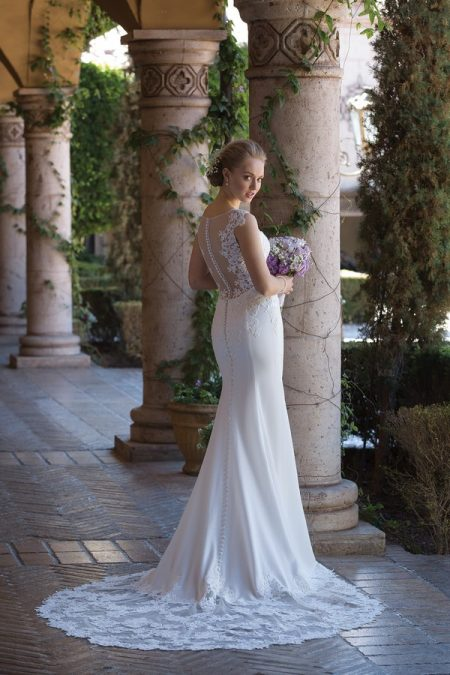 Back of 4005 Wedding Dress from the Sincerity Bridal SS18 Collection
