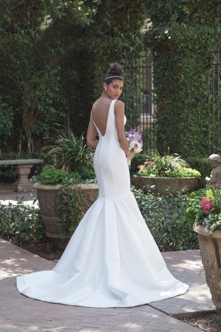 Back of 4008 Wedding Dress from the Sincerity Bridal SS18 Collection
