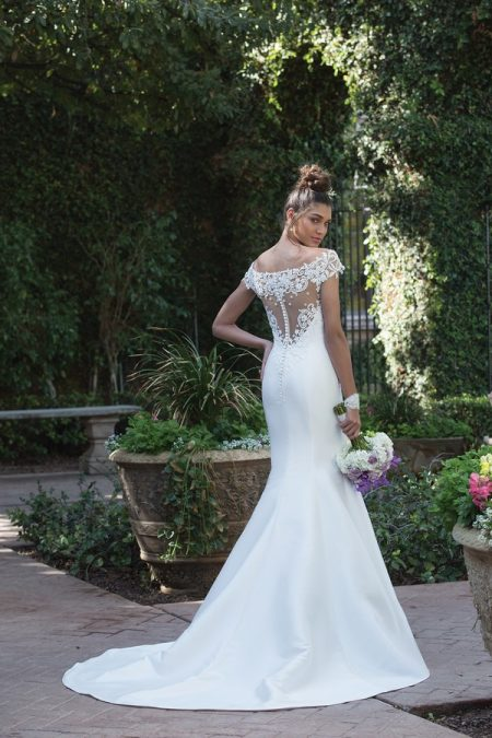 Back of 4010 Wedding Dress from the Sincerity Bridal SS18 Collection