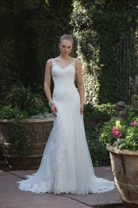 4013 Wedding Dress from the Sincerity Bridal SS18 Collection