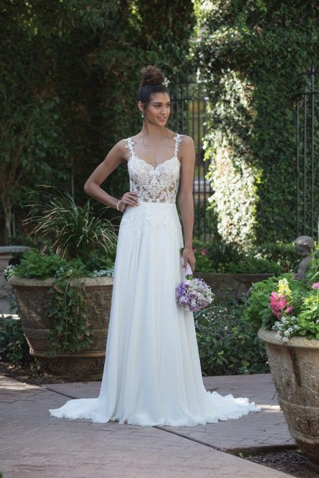 4014 Wedding Dress from the Sincerity Bridal SS18 Collection