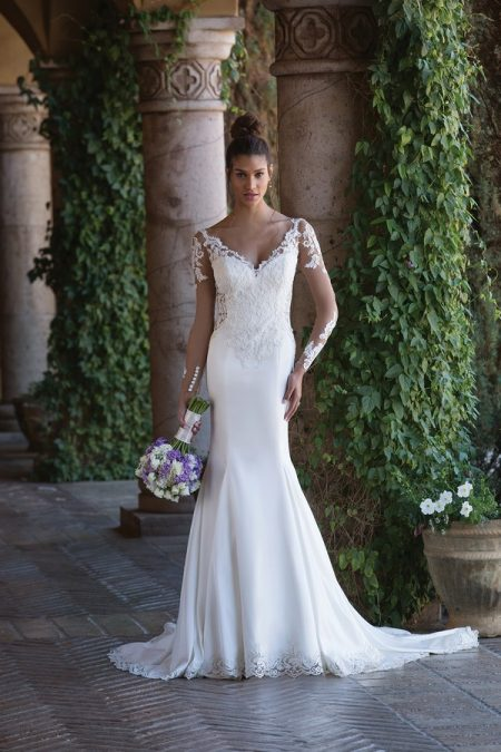 4015 Wedding Dress from the Sincerity Bridal SS18 Collection