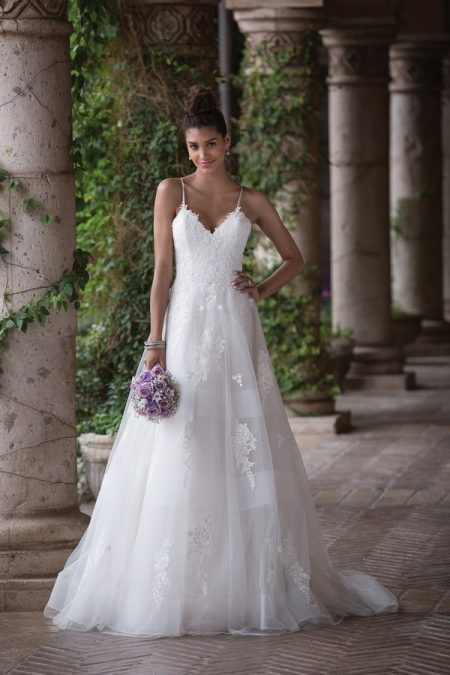 4017 Wedding Dress from the Sincerity Bridal SS18 Collection