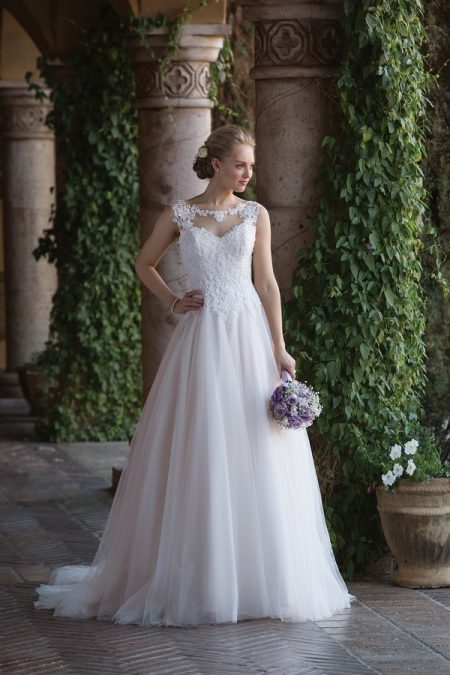 4021 Wedding Dress from the Sincerity Bridal SS18 Collection