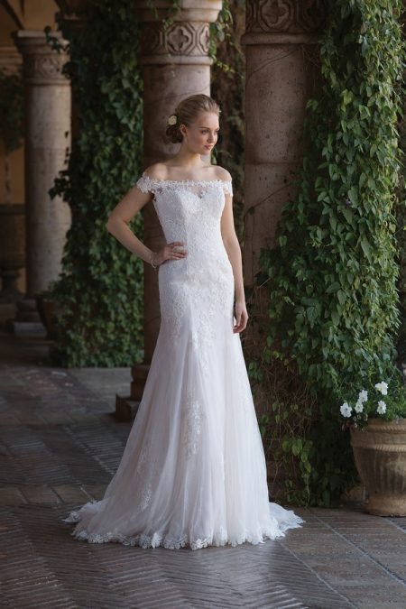 4022 Wedding Dress from the Sincerity Bridal SS18 Collection
