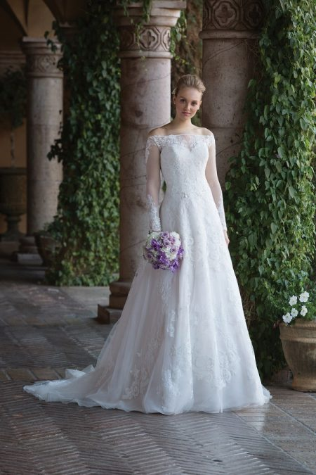 4024 Wedding Dress from the Sincerity Bridal SS18 Collection