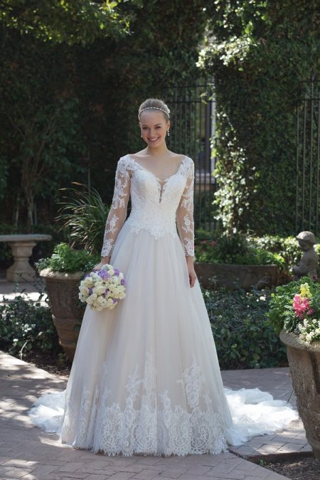 4025 Wedding Dress from the Sincerity Bridal SS18 Collection