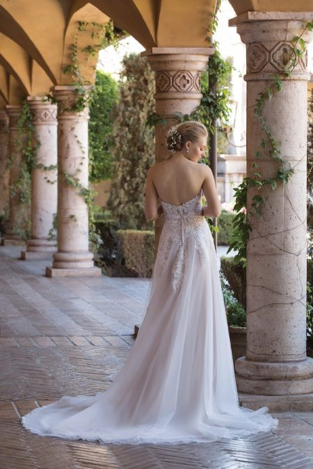 Back of 4026 Wedding Dress from the Sincerity Bridal SS18 Collection