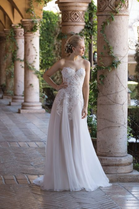 4026 Wedding Dress from the Sincerity Bridal SS18 Collection