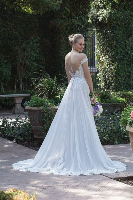 Back of 4030 Wedding Dress from the Sincerity Bridal SS18 Collection