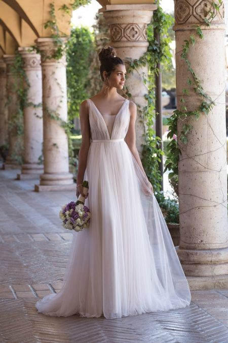 4031 Wedding Dress from the Sincerity Bridal SS18 Collection