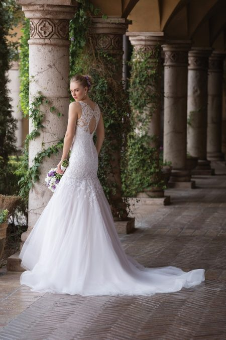 Back of 4033 Wedding Dress from the Sincerity Bridal SS18 Collection