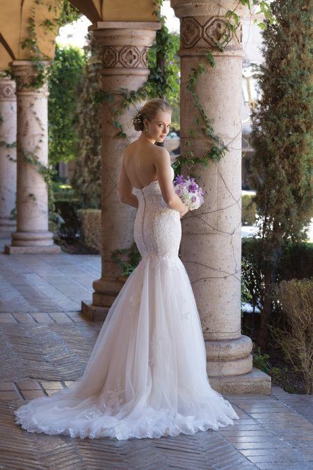 Back of 4035 Wedding Dress from the Sincerity Bridal SS18 Collection