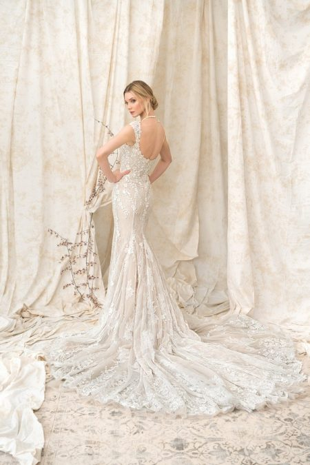 Back of 9893 Wedding Dress from the Justin Alexander Signature SS18 Bridal Collection