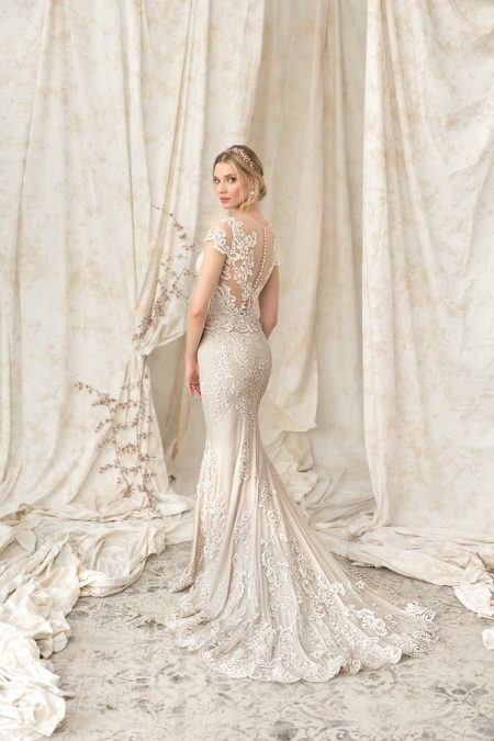 Back of 9899 Wedding Dress from the Justin Alexander Signature SS18 Bridal Collection