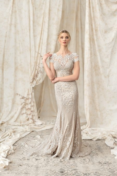 9899 Wedding Dress from the Justin Alexander Signature SS18 Bridal Collection