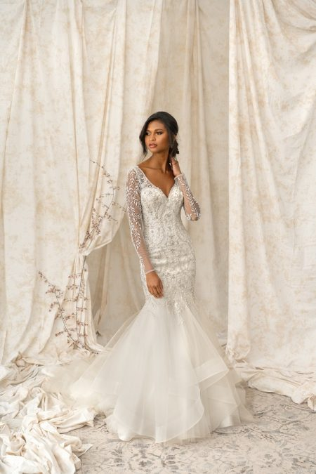 9901 Wedding Dress from the Justin Alexander Signature Spring/Summer 2018 Bridal Collection