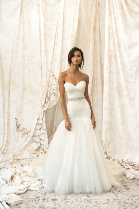 9903 Wedding Dress from the Justin Alexander Signature Spring/Summer 2018 Bridal Collection