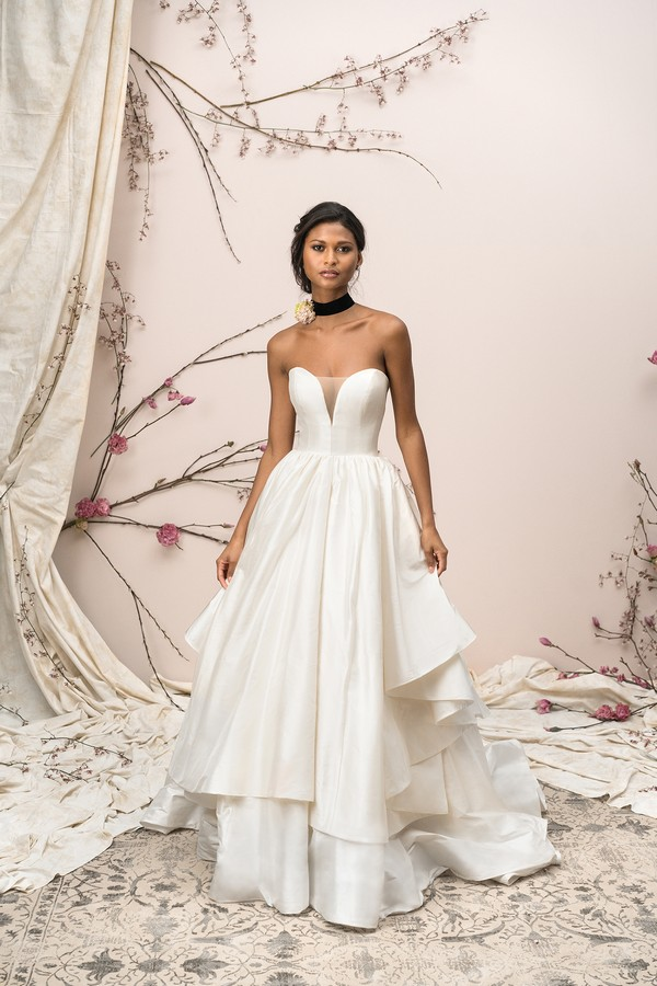 9906 Wedding Dress from the Justin Alexander Signature Spring/Summer 2018 Bridal Collection