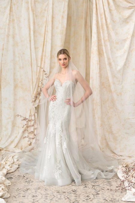 9908 Wedding Dress from the Justin Alexander Signature Spring/Summer 2018 Bridal Collection