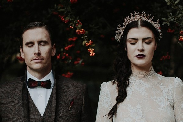 Hauntingly Romantic Autumn Wedding Inspiration