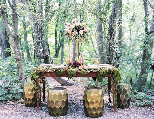 A Midsummer Night's Dream inspired wedding table styling