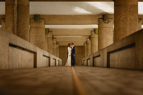 Bride and groom at Barbican centre - Picture by Kris Piotrowski Photography