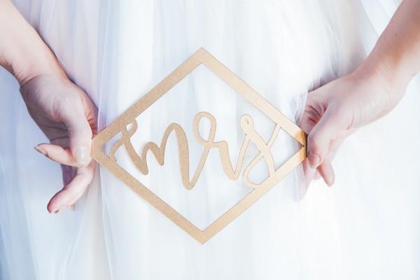 Geometric Mrs sign