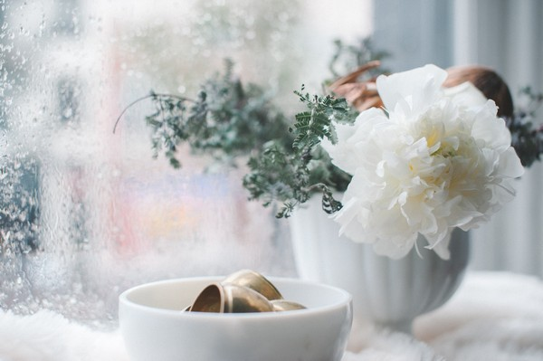 White bowl and flowers