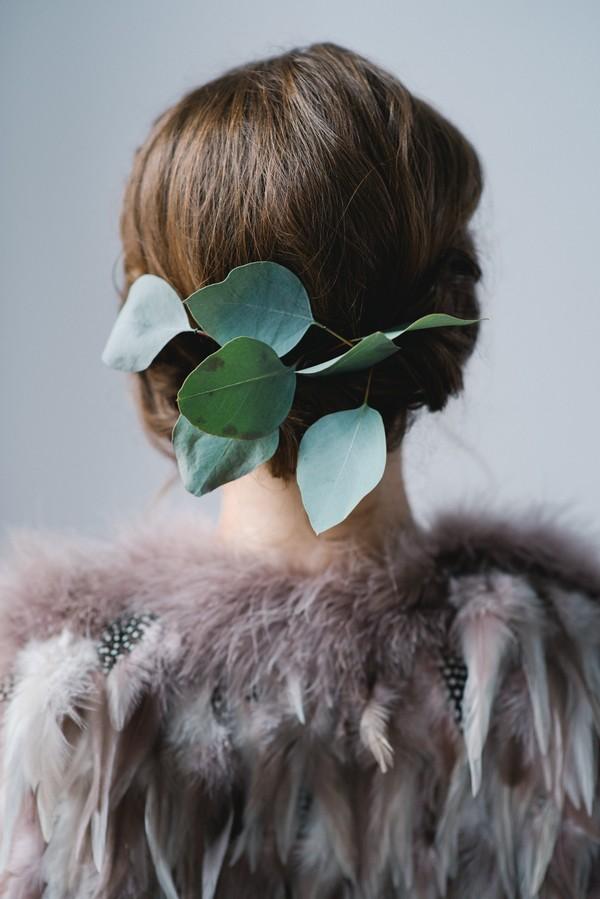 Leaves in back of bride's hair