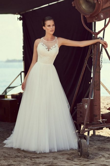 2187 Wedding Dress from the Mikaella Spring 2018