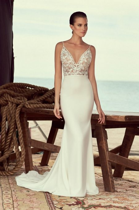 2190 Wedding Dress from the Mikaella Spring 2018