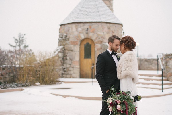 Bride and groom outside Cherokee Castle