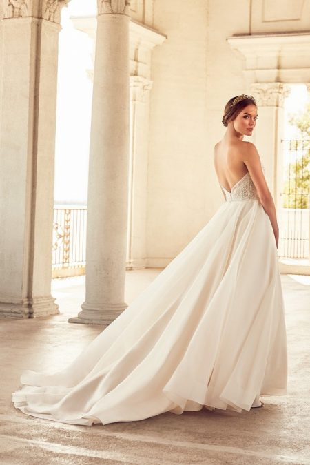 Back of 4785 Wedding Dress from the Paloma Blanca Spring 2018 Bridal Collection