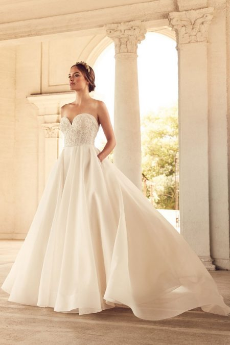 4785 Wedding Dress from the Paloma Blanca Spring 2018 Bridal Collection