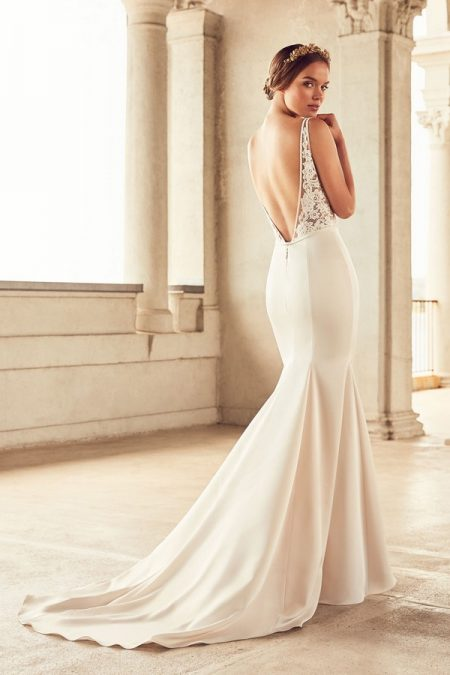 Back of 4787 Wedding Dress from the Paloma Blanca Spring 2018 Bridal Collection