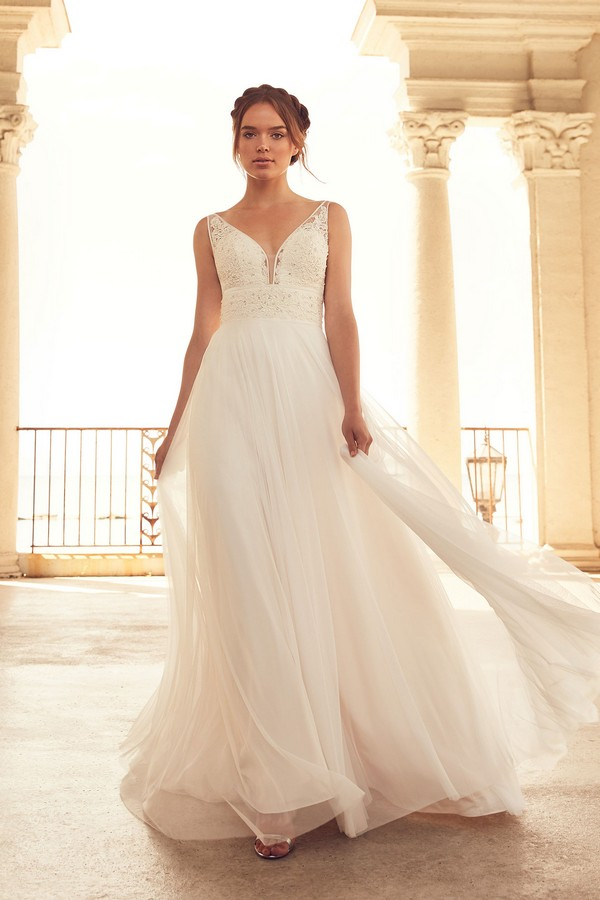 4788 Wedding Dress from the Paloma Blanca Spring 2018 Bridal Collection