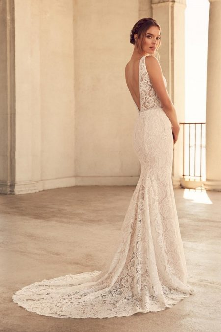 Back of 4792 Wedding Dress from the Paloma Blanca Spring 2018 Bridal Collection