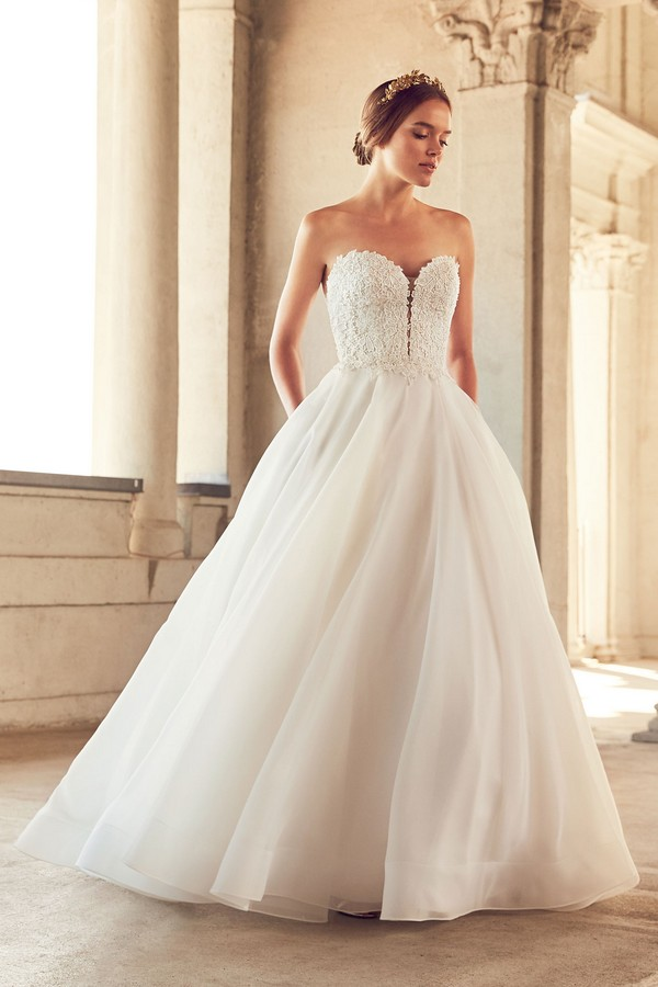 4793 Wedding Dress from the Paloma Blanca Spring 2018 Bridal Collection