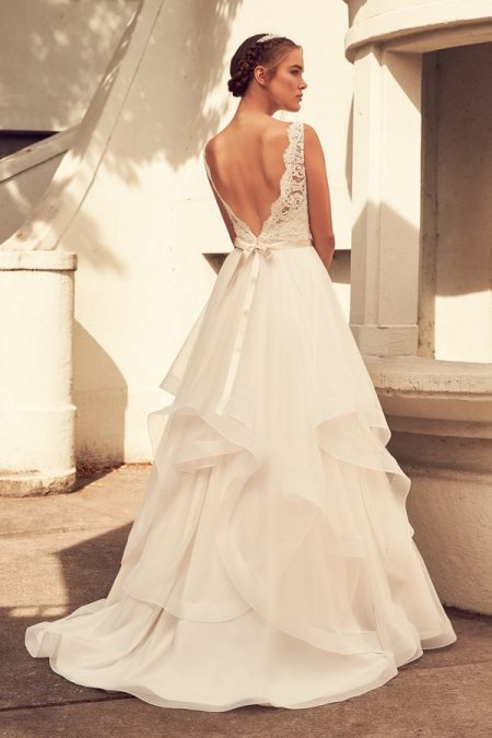 Back of 4798 Wedding Dress from the Paloma Blanca Spring 2018 Bridal Collection