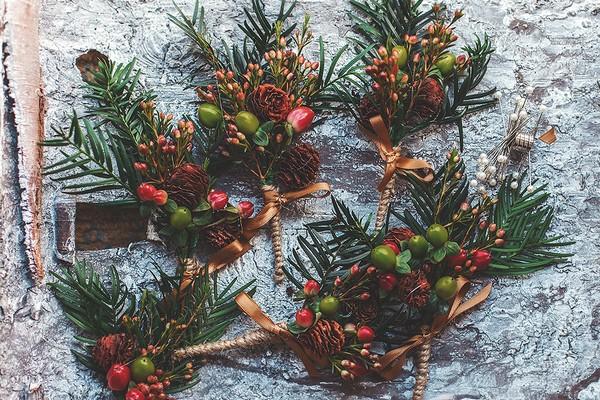 Christmas buttonholes
