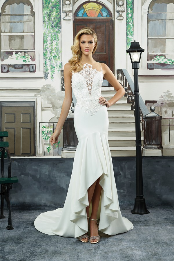 8940 Wedding Dress from the Justin Alexander Spring/Summer 2018 Bridal Collection