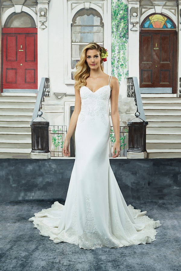8941 Wedding Dress from the Justin Alexander Spring/Summer 2018 Bridal Collection